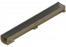 Render del conjunto de canal SELF 100 L1000 H95 en hormigon polímero con premarca para salida vertical DN/OD 110 y reja pasarela en acero galvanizado A15 con sistema de fijación por clip