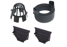 Render do kit de acessórios para o canal HEXALINE 2.0, em polipropileno (PP) preto, composto por 2 tampas inicio fin, 1 adaptador para saída vertical DN/OD 110 e 1 filtro antifolhas.