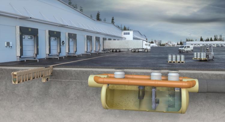 Instalação do um canal MONOBLOCK RD e um separador de hidrocarbonetos OLEOPASS-G-H na área de carregamento de um armazém logístico
