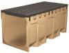 Render do conjunto de canal S400 L1000 H469 em betão polímero e grelha passarela em fundição F900 com sistema de fixação por parafusos