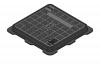 Render de la tapa BASIC cuadrada en fundición dúctil, de dimensiónes L500 A500 H40 clase de carga C250, sin inscripción superior.