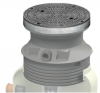 Render da tampa ajustável para separador de hidrocarbonetos. Inclui 1 tampa em fundição Ø600 B125 com pintura bituminosa preta e realce em polipropileno de alta densidade (HDPE) cinza de Ø836 H675.