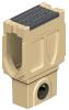 Render del sumidero completo para el canal MONOBLOCK RD200V 20.0 L660 H925 de hormigón polímero, reja pasarela de fundicón F900, sistema de fijación Powerlock, preformas laterales rompibles L-T-X y junta labiolaberíntica DN/OD 160, con cestillo.
